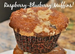Great Day-Off Breakfast: Blueberry Raspberry Muffins with Crumb Topping!