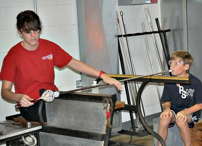 A glass museum- for kids? Yes! Visiting the Corning Museum of Glass with kids makes for a fantastic family road trip!