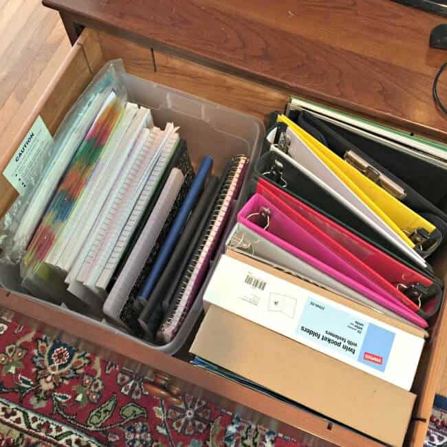 The game changes when kids get older- you don't necessarily receive a school supply list for middle and high school so that you know what your kids need for the year. So here are my suggestions on what you should have on hand, and how to keep it all organized!