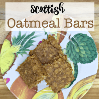These Scottish Oatmeal Cookie Bars are so yummy- and packed with the power of oats! #Oatober #IC #ad