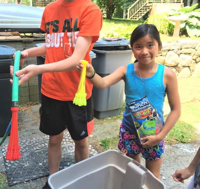 kids water balloons