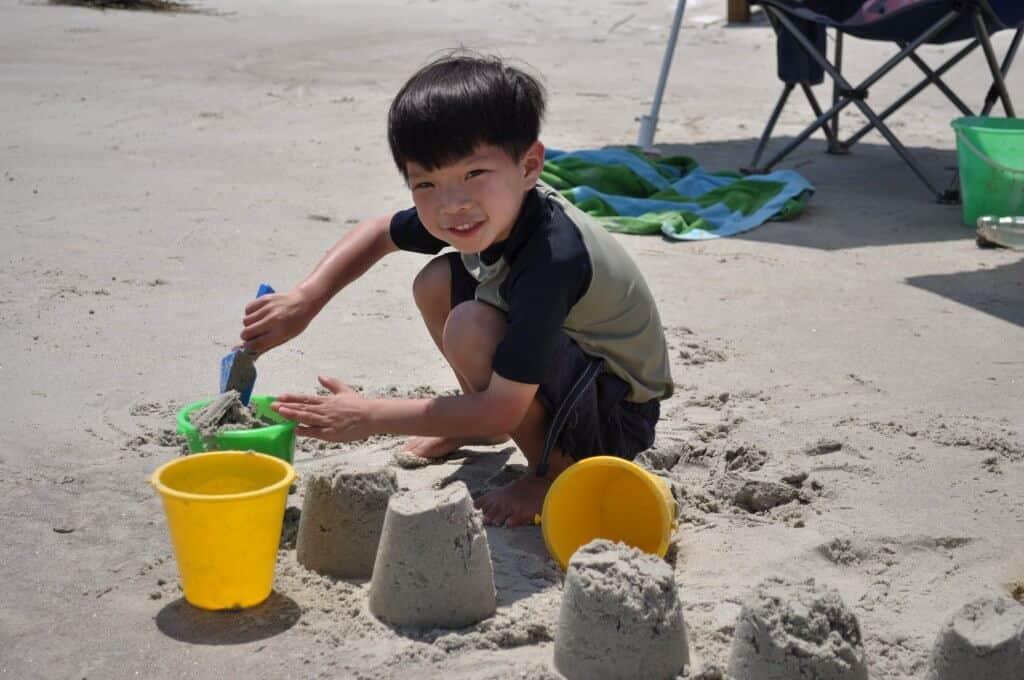 building sandcastels on spring break