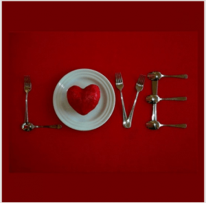 7 Great Ways to Celebrate Valentine's Day with Your Family! (Links to Love)