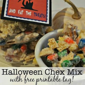 Halloween White Chocolate Chex Mix {with free printable treat bag tag!}