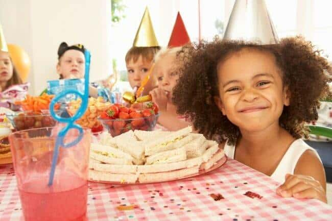How To Throw Your Own Kids Birthday Parties At Home MomOf - Indoor games for birthday parties age 6