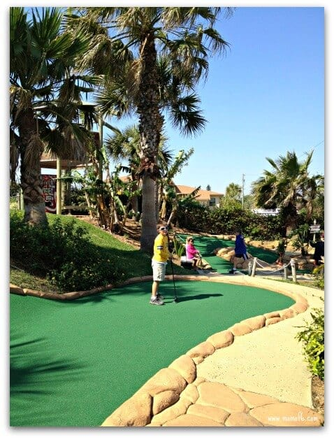 Things to Do in New Smyrna Beach: play mini-golf