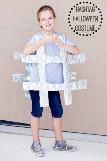 Kids can't figure out what they want to be this year? Here are 10 awesome Halloween costumes for tweens! (Maybe this will inspire them!)
