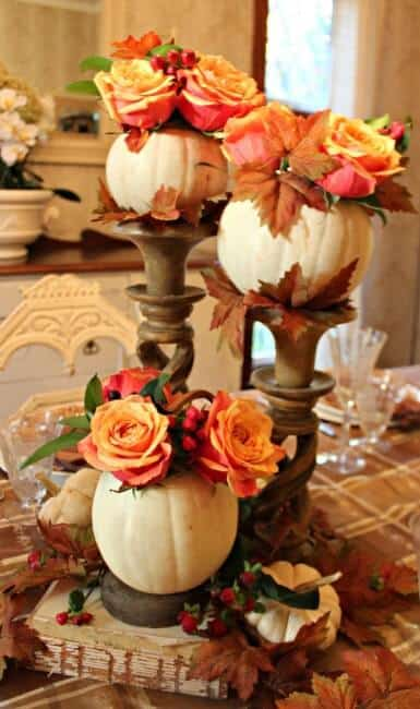 I love to set a fancied up table for Thanksgiving. It's one of those times of year that I am not worried about the number of dishes it adds to the evening's clean up, I don't care about the extra time it takes to make it look oh-so-pretty! If you too would like to rock your Thanksgiving table this year- here are 10 fantastic Thanksgiving table ideas! #ThanksgivingTableIdeas #ThanksgivingTable #ThanksgivingDecor #MomOf6