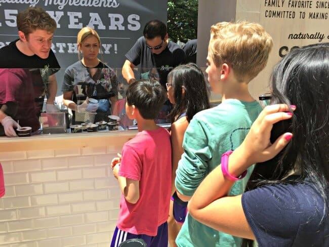 Breyers Event-getting scoops
