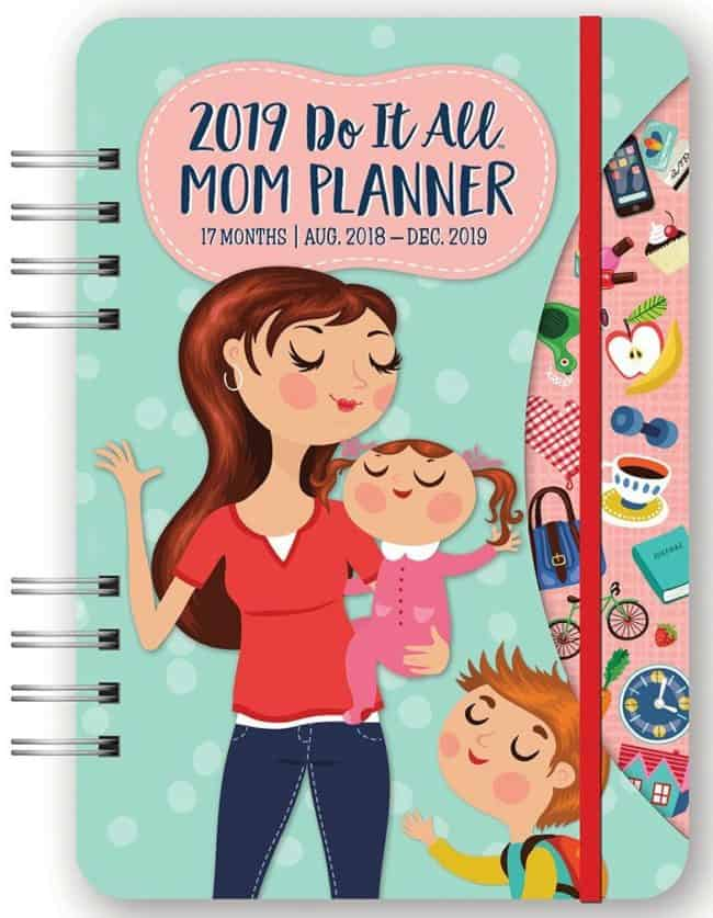 busy moms who want to get organized need to have an awesome family calendar system in