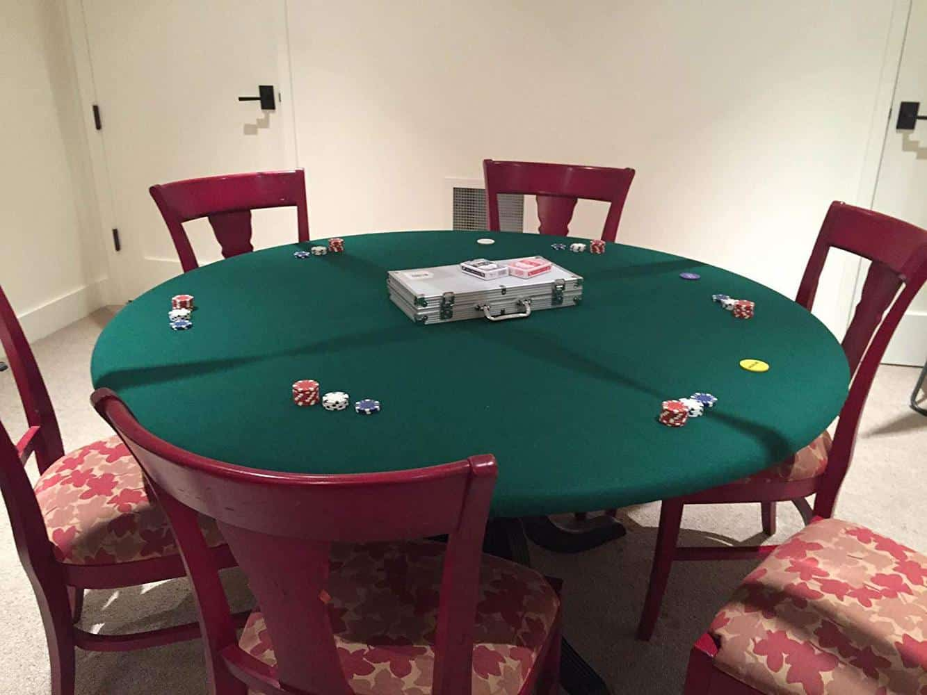 poker night party set up