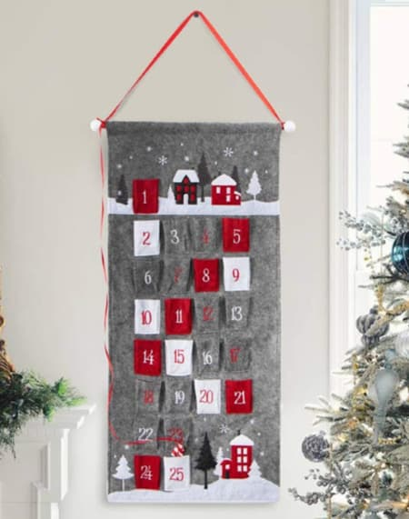 felt Christmas Countdown Calendar with Pockets