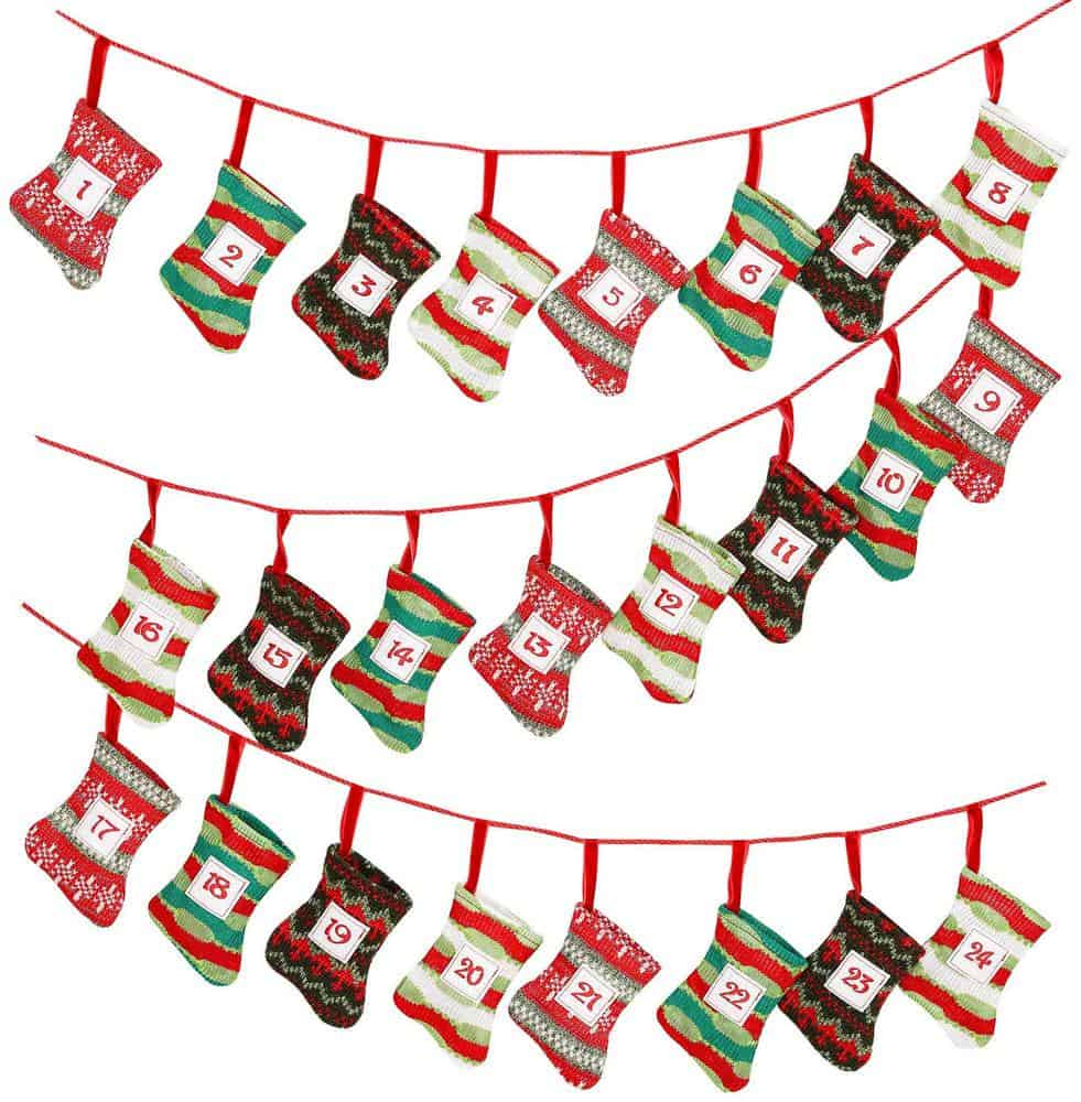 festive stocking garland