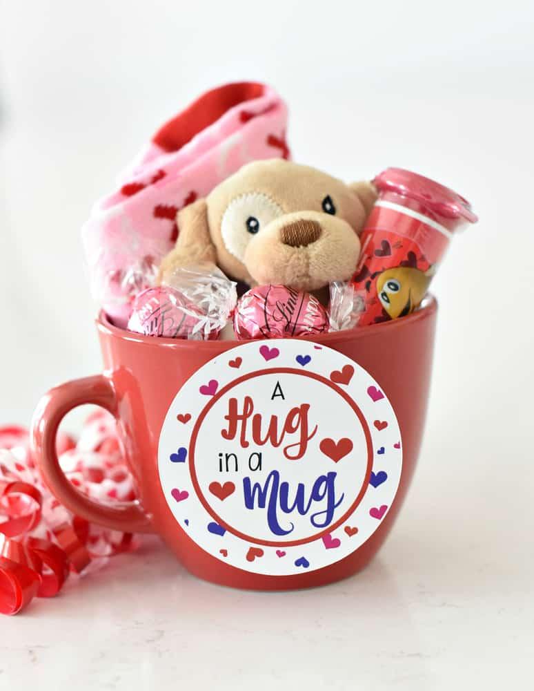 Valentines gift idea for tweens: hug in a mug